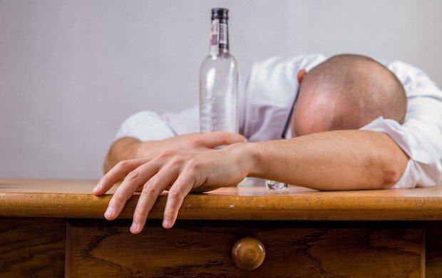 alcohol-428392_640-620x390