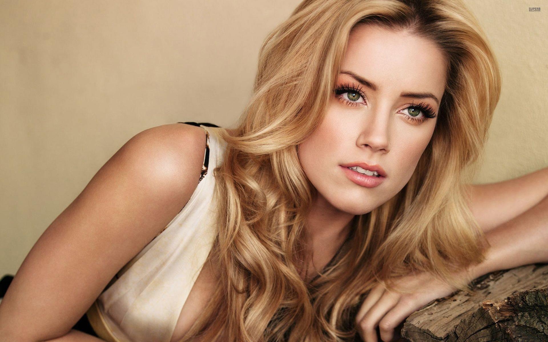Segundo estudo científico, Amber Heard é a mulher mais linda do mundo