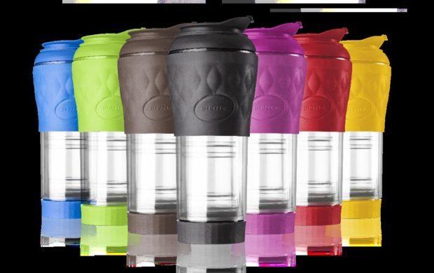 Cafeteira vem em sete cores e pode ser levada na bolsa