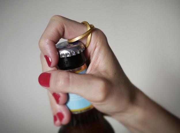 anel-abre-garrafas