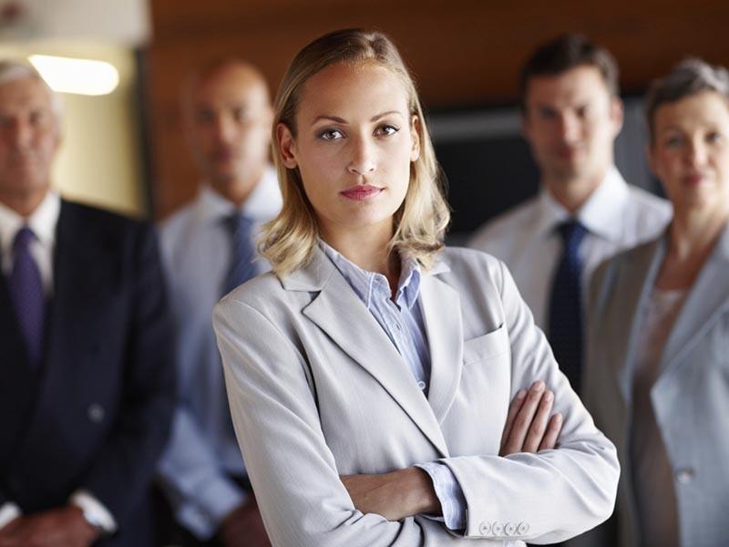 Estudo revela que homens enxergam mulheres líderes como uma ameaça à masculinidade