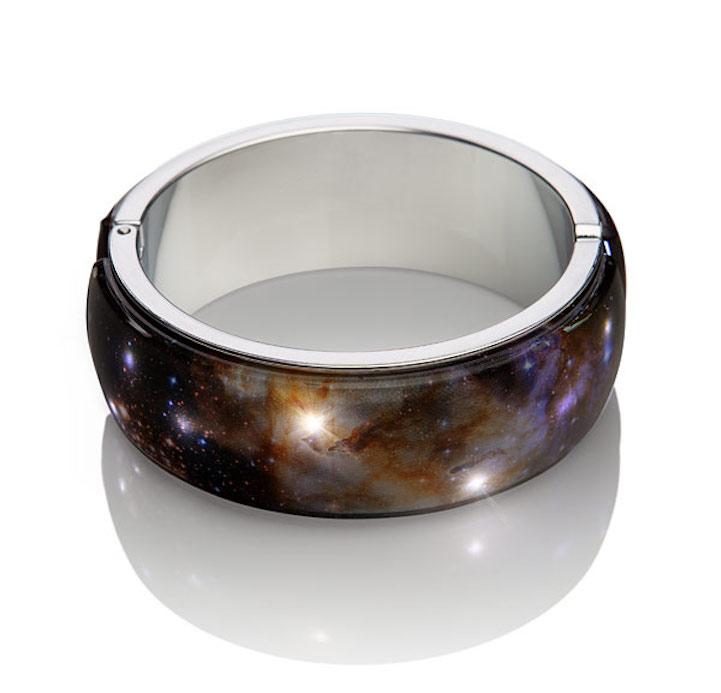 A foto do bracelete foi tirada pelo telescópio Hubble