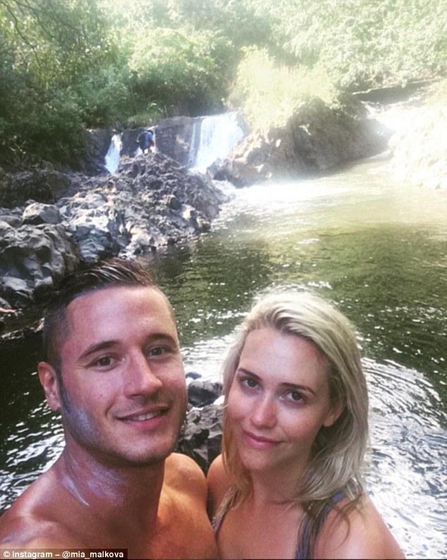 O casal de atores pornô Danny Mountain e Mia Malkova