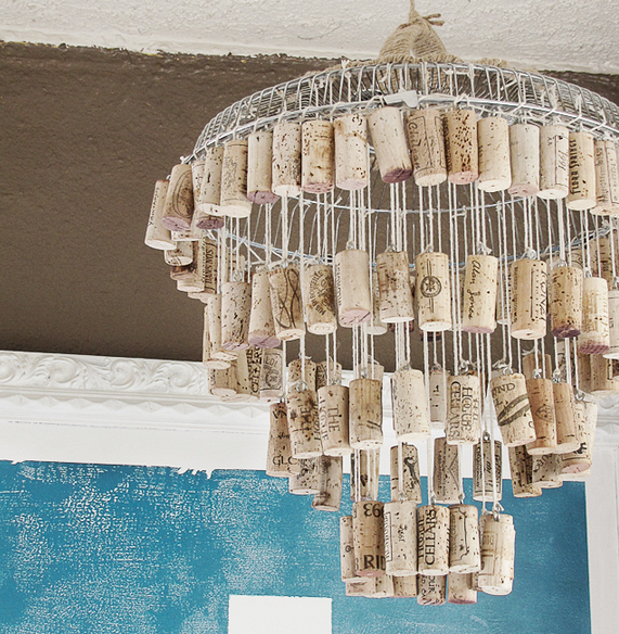 Recycled-Wine-Cork-Chandelier